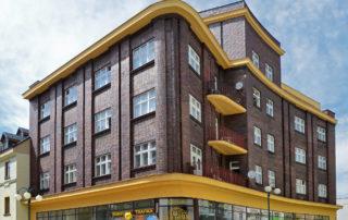 Architektonicky zajímavý Linkeho dům s klinkerovým obkladem - pěší zóna, Jablonec nad Nisou