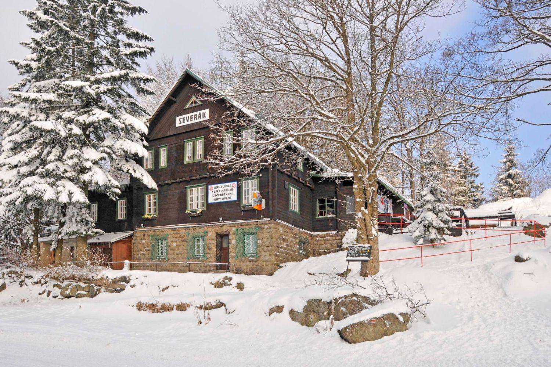 Chata Severák na sjezdovce ve Ski aréně Jizerky