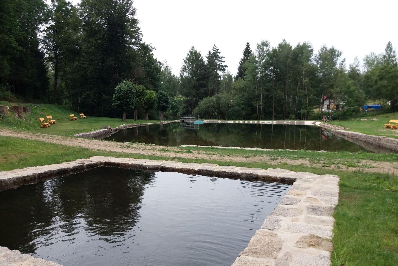 Přírodní koupaliště v Rychnově u Jablonce nad Nisou