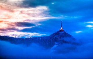Ještěd je symbolem Libereckého kraje - zimní podvečerní pohled