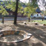 Penzion U Kouckých - obecní park u penzionu