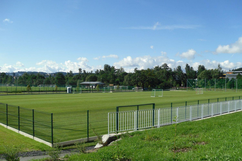 Fotbalové travnaté hřiště pro veřejnostv areálu volnočasových aktivit Čelakovského -Jablonec nad Nisou