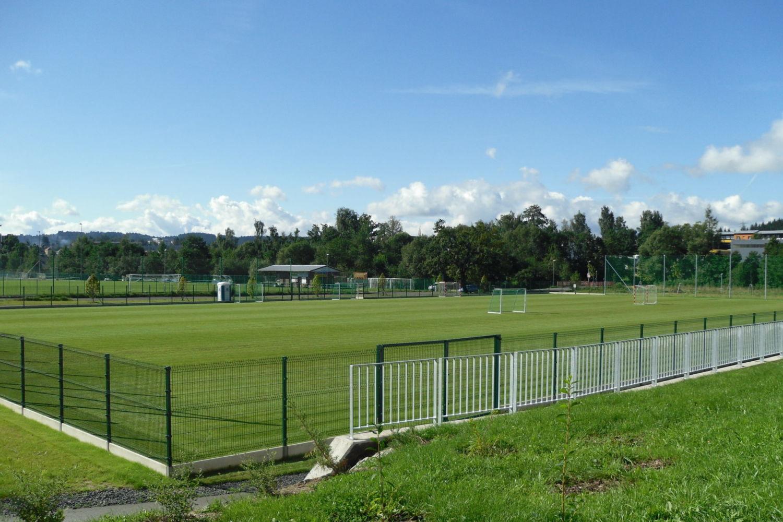 Fotbalové travnaté hřiště pro veřejnost v areálu volnočasových aktivit Čelakovského - Jablonec nad Nisou