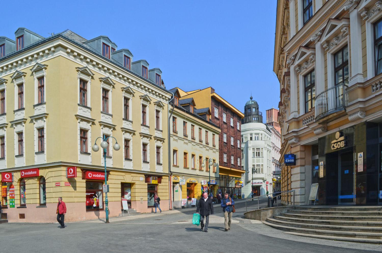 Pohled do ul. Komenského v Jablonci nad Nisou - pěší zóna