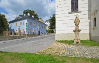 Dům národopisců Jany a Josefa V. Scheybalových u kostela sv. Anny v Jablonci nad Nisou