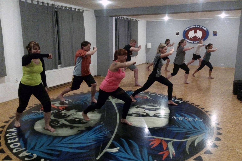 Mladé ženy cvičící ve fitness centru - Fit Siluet Jablonec nad Nisou