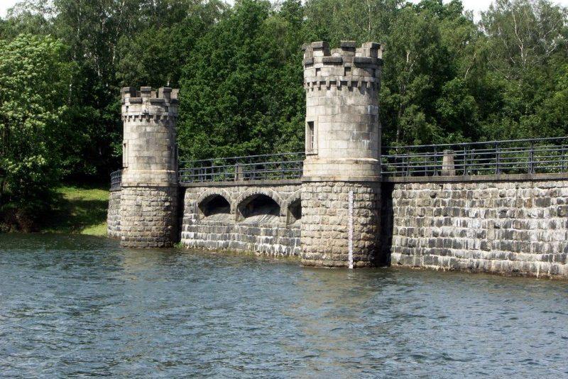 Kamenná hráz přehrady Fojtka - Mníšek u Liberce