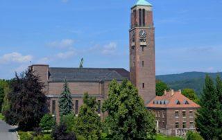 Kostel Nejsv. Srdce Ježíšova (Páně) na Horním náměstí v Jablonci nad Nisou - architektura