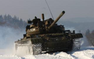 Tank na sněhu