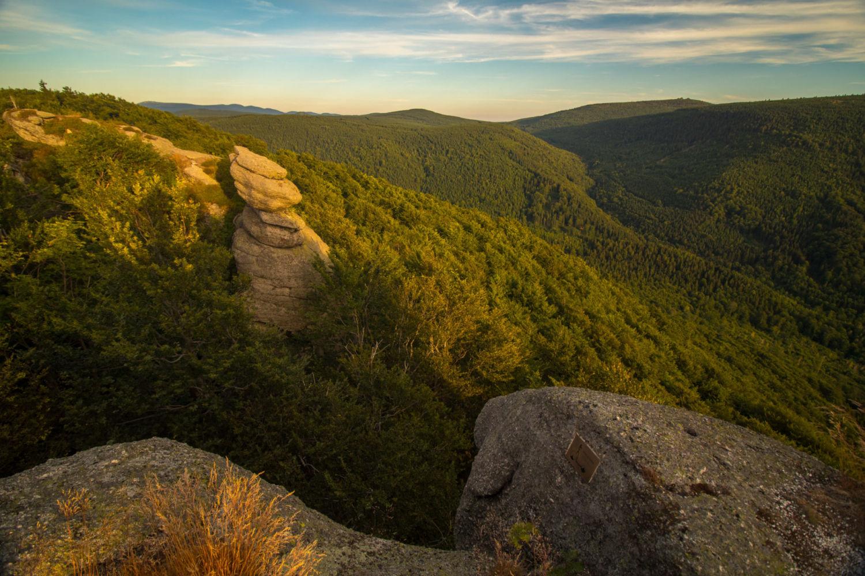 Rozhled na Jizerské hory ze skalní vyhlídky Paličník