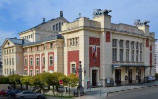 Budova Městského divadla v Jablonci nad Nisou - architektura, secese