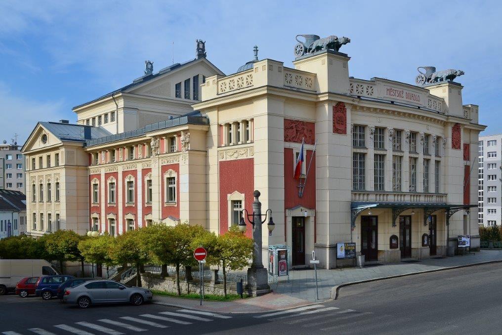 Secesní budova Městského divadla v Jablonci nad Nisou