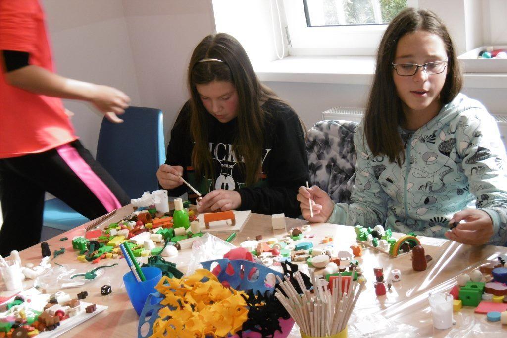 Kreativní dílna v továrně a Muzeu výroby dřevěných hraček Detoa – Albrechtice v Jizerských horách