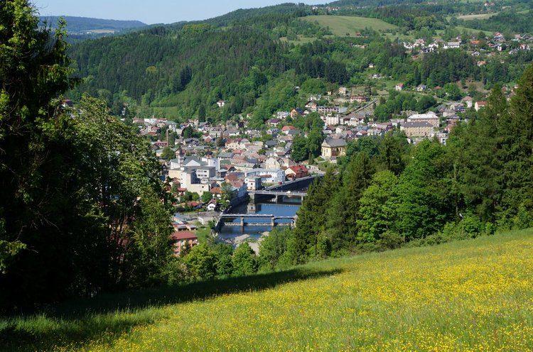 Železný Brod - celkový pohled na město a okolní krajinu
