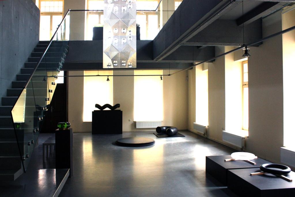 Interiér Galerie N v Jablonci nad Nisou