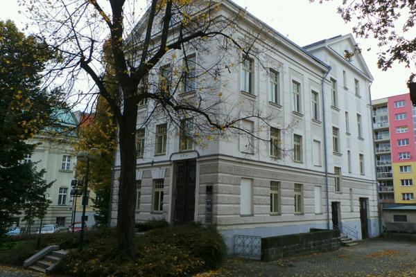 Bývalá pomocná divadelní budova, dnes Galerie N, v Jablonci nad Nisou