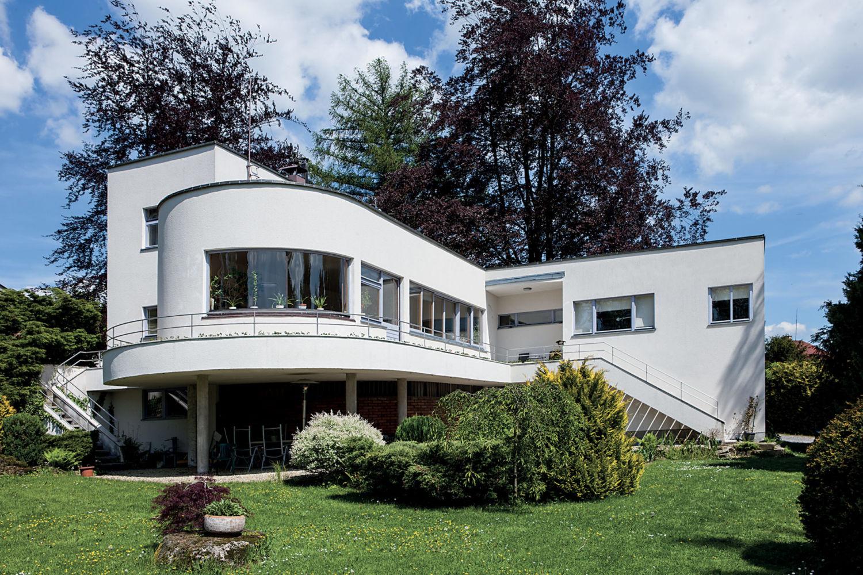 Funkcionalistická Háskova vila v Jablonci nad Nisou - pohled ze zahrady
