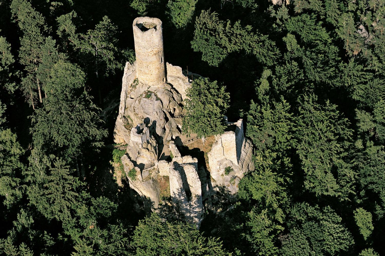 Zřícenina hradu Frýdštejn letecky