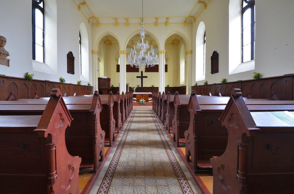 Interiér kostela Dr. Farského v Jablonci nad Nisou