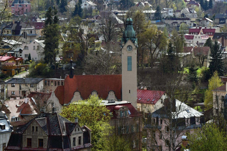 Secesní kostel Povýšení sv. Kříže v Jablonci nad Nisou- celkový pohled