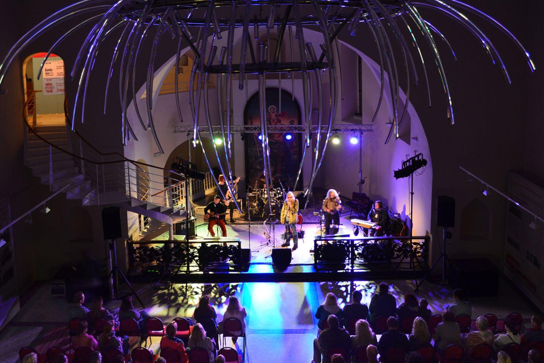 Koncert v interiéru kostela sv. Anny v Jablonci nad Nisou