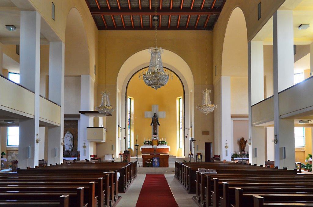 Interiér kostela Nejsv. Srdce Ježíšova (Páně) na Horním náměstí v Jablonci nad Nisou - architektura, památky