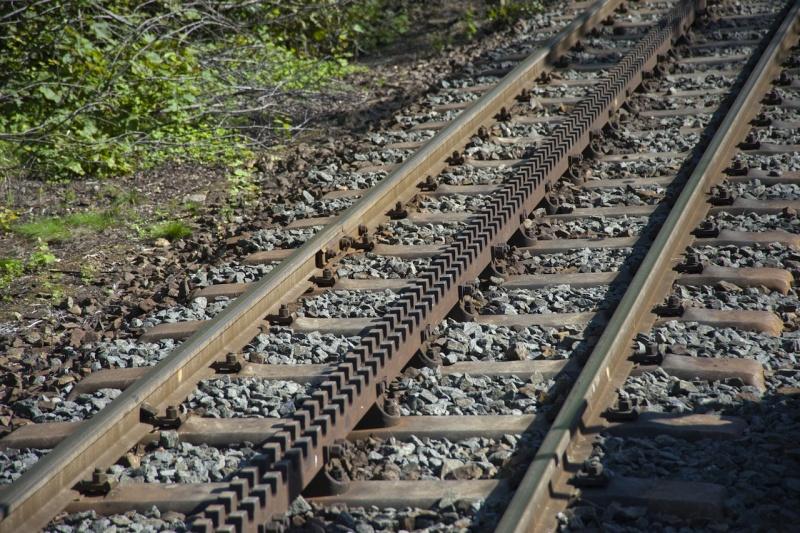 Detail koleje unikátní ozubnicové trati, tzv. zubačky, Tanvald – Kořenov – Harrachov