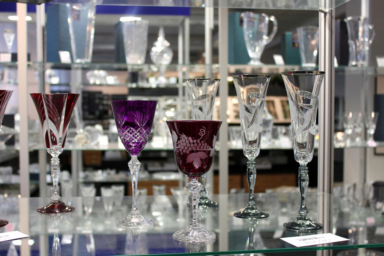 Broušené sklenice na víno v Palace Plus v Jablonci nad Nisou