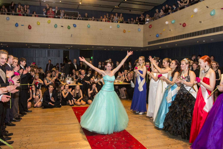 Velký sál Eurocentra v Jablonci nad Nisou při maturitním plese
