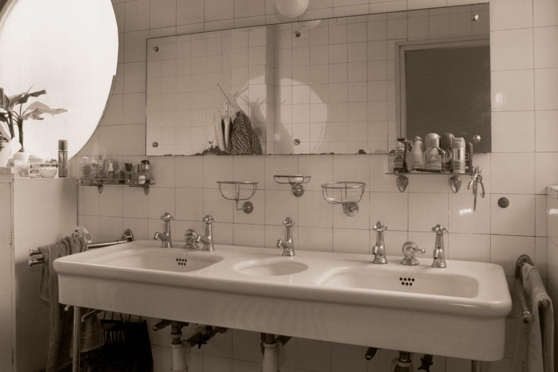 Schmelowského vila v Jablonci nad Nisou Heinrichem Lauterbachem - dobové foto interiéru koupelny