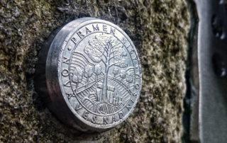 Pramen Nisy u Nové Vsi na Jablonecku - detail označení