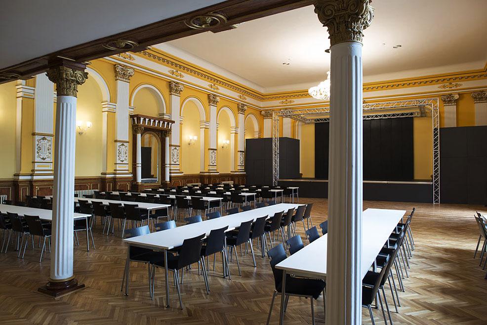 Historický sál - Kulturní centrum Hotel Praha Jablonec nad Niso
