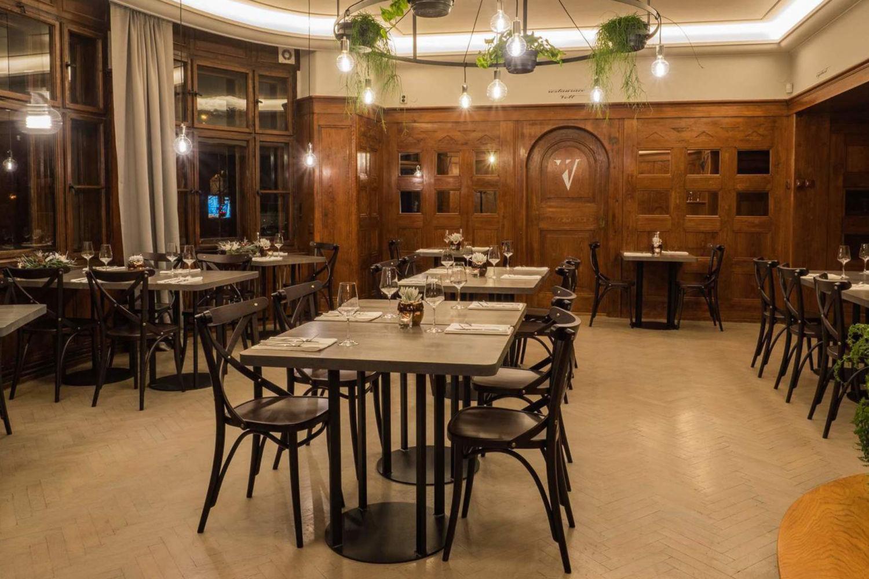 Interiér restaurace v minipivovaru Volt v Jablonci nad Nisou